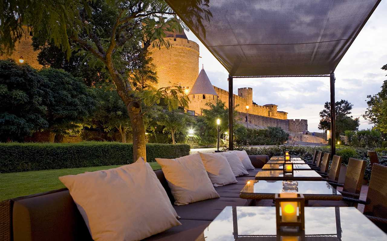 Nice terrace hotel in Carcassonne
