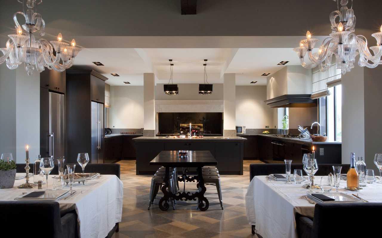 Cuisine spacieuse Château hôtel Carcassonne
