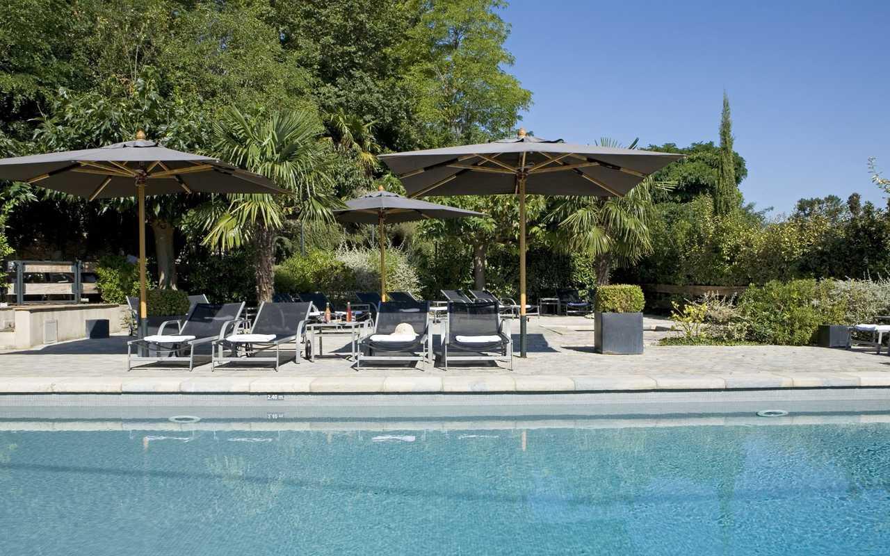 Piscine haut de gamme hôtel Carcassonne