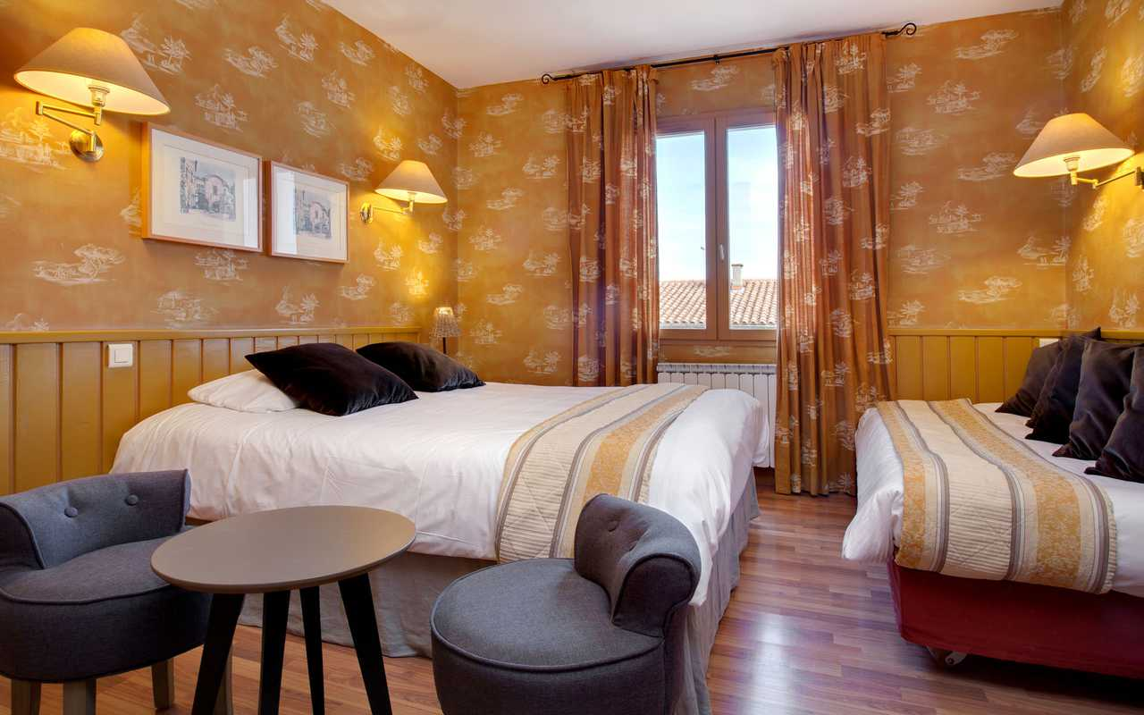 Comfortable bucolic room charming hotel Aude